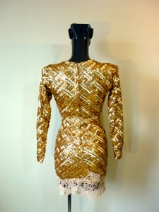 RTWC31 - embroidered sequin, 550$
