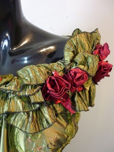 RTWC69 - embroidered taffeta with pleated boat neck, hand made roses, 500$