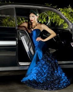 bluedress_sideofcar2-69067